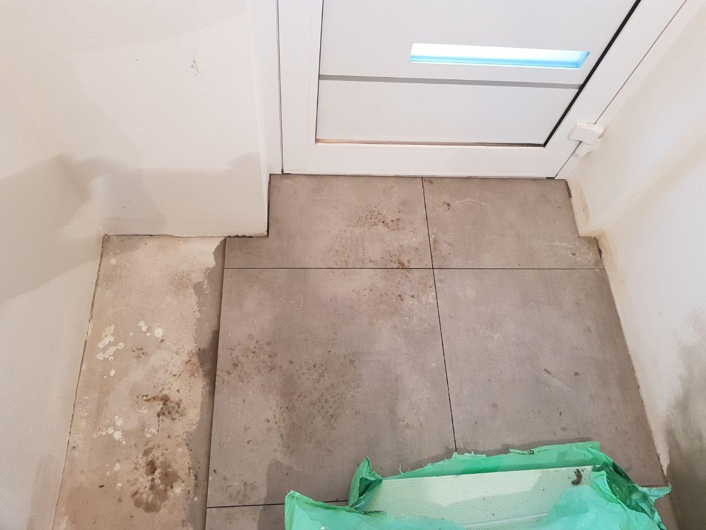 Minidomček pod Karpatmi - Vstupna chodba, Fineza Cementi Style, umyta bude vyzerat hadam lepsie :-D
