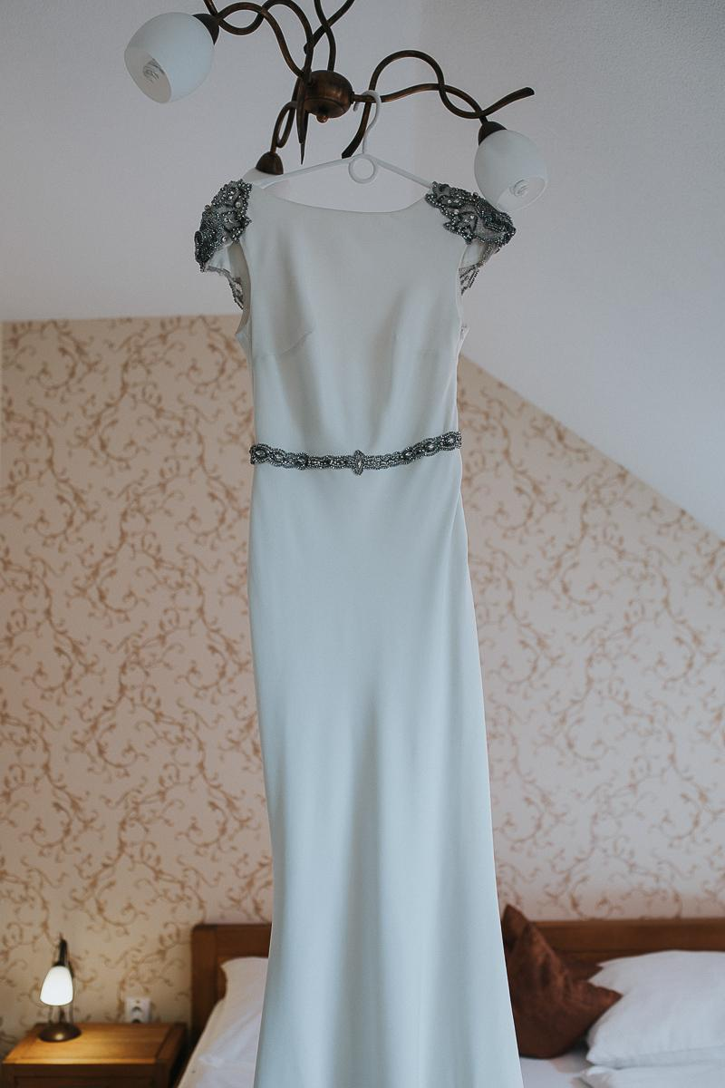 Svadobné šaty TARIK EDIZ - Obrázok č. 3