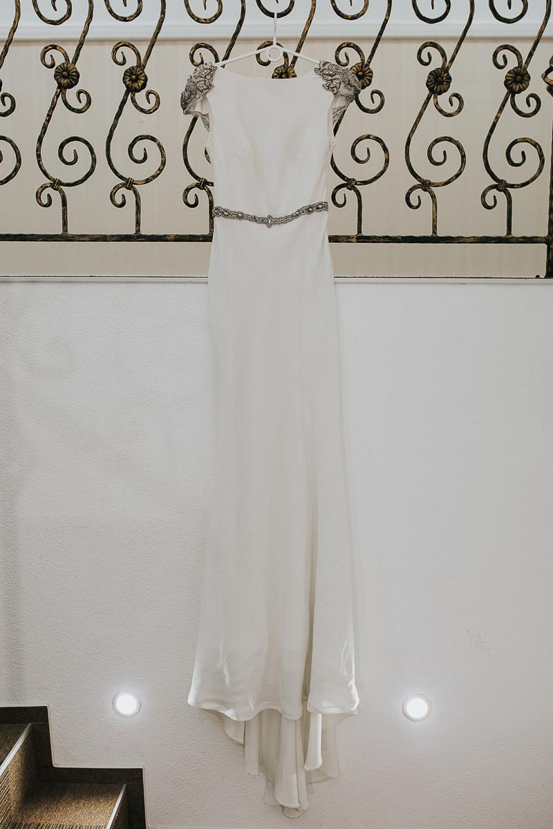 Svadobné šaty TARIK EDIZ - Obrázok č. 4