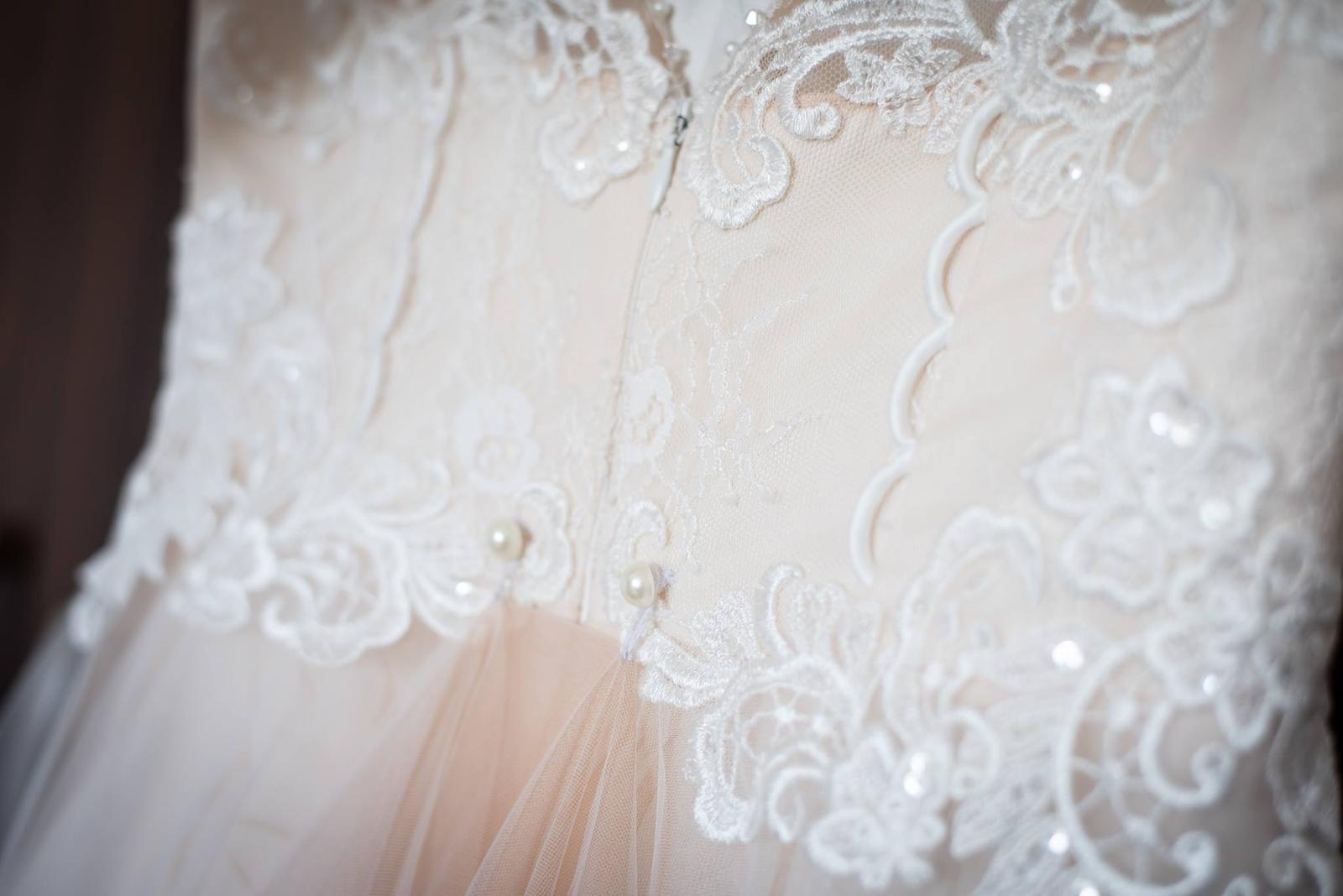 elegantné svadobné šaty - Obrázok č. 2