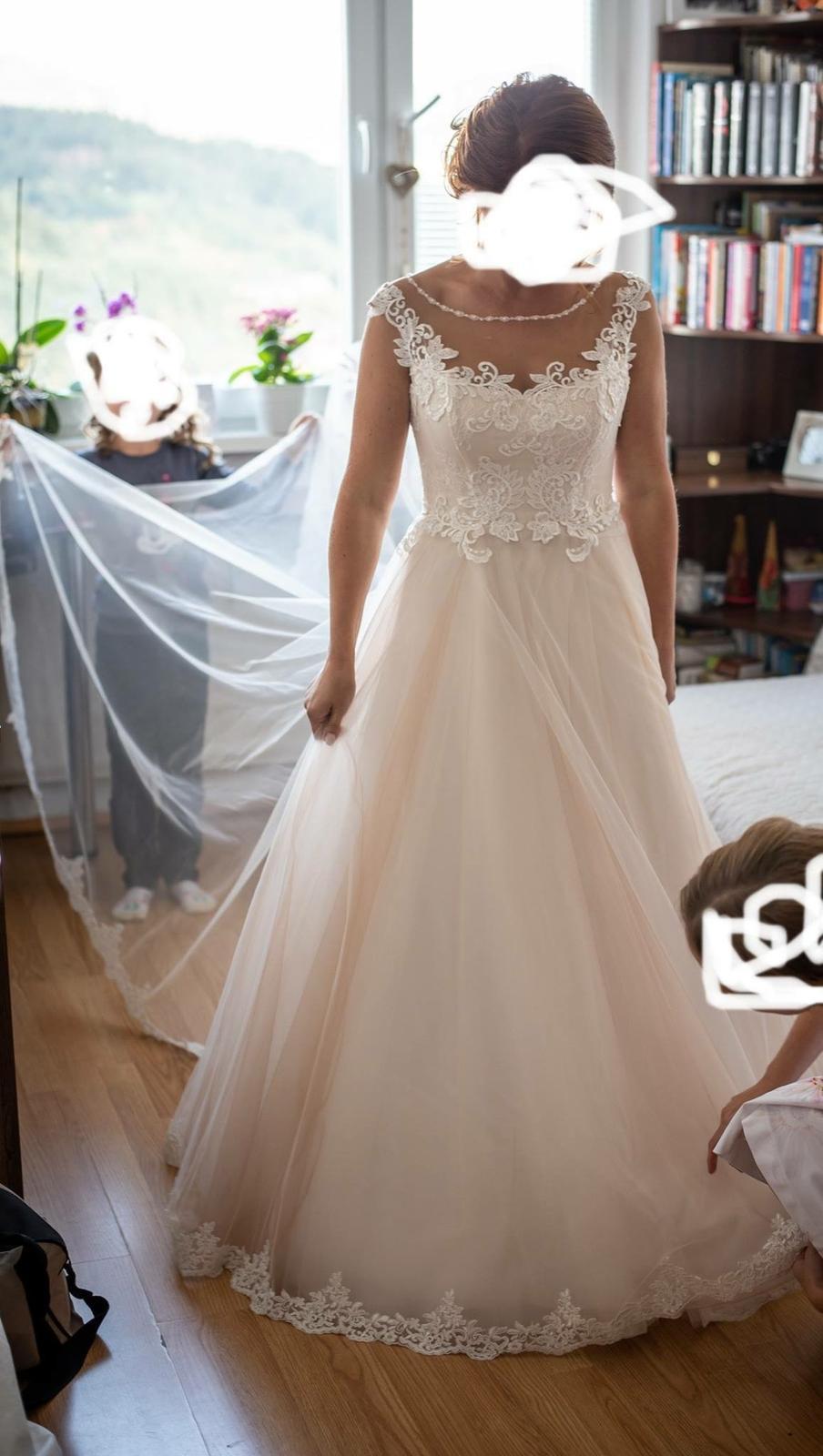 elegantné svadobné šaty - Obrázok č. 1