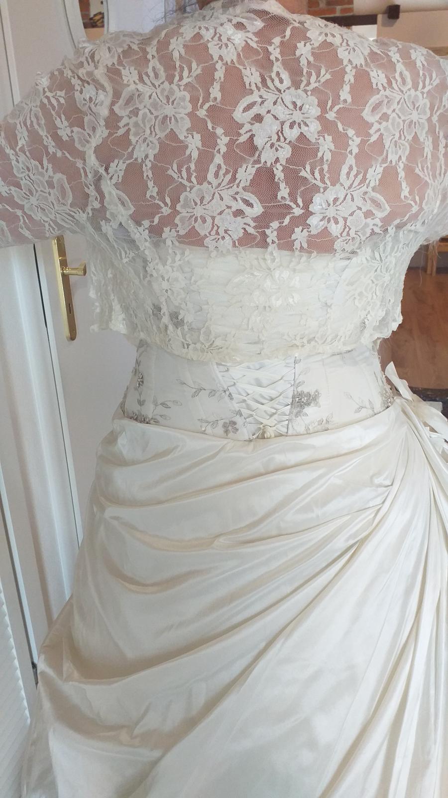 Nádherné svadobné šaty - Obrázok č. 3