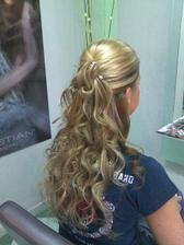 zkouška vlasy