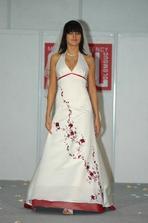 Úžasné šaty..