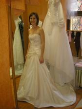 moje půjčené svatební šaty