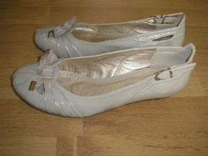 boty z boku