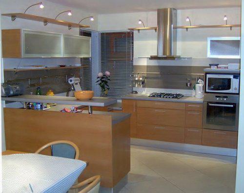 HOME SWEET HOME - Moderna kuchyna v podobnom style v prevedeni noce