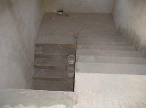 schody z horneho poschodia