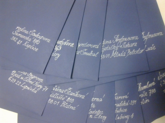 Přípravy a tvoření - největší oříšek? sehnat modré obálky... zbylo mi jich 22 na prodej...