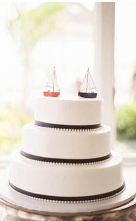 Přípravy a tvoření - představa o dortu (ale od začátku bylo jasné, že s pravým marcipánem nebude tak bílý)