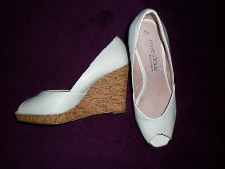 bílé značkové boty na platformě - Obrázek č. 1