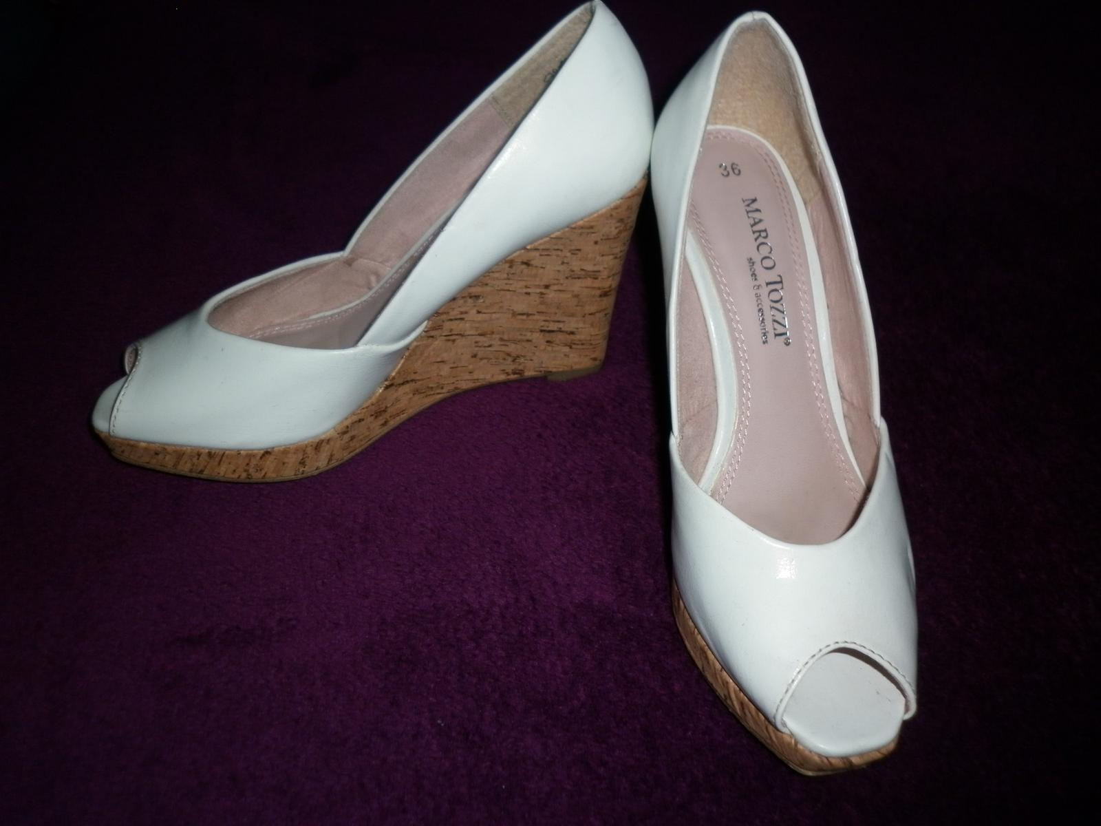 bílé značkové boty na platformě - Obrázek č. 3
