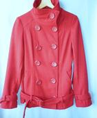 teplý červený krátký kabát s vlnou, 36