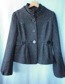 černobílý puntíkatý kabát s vlnou, 36