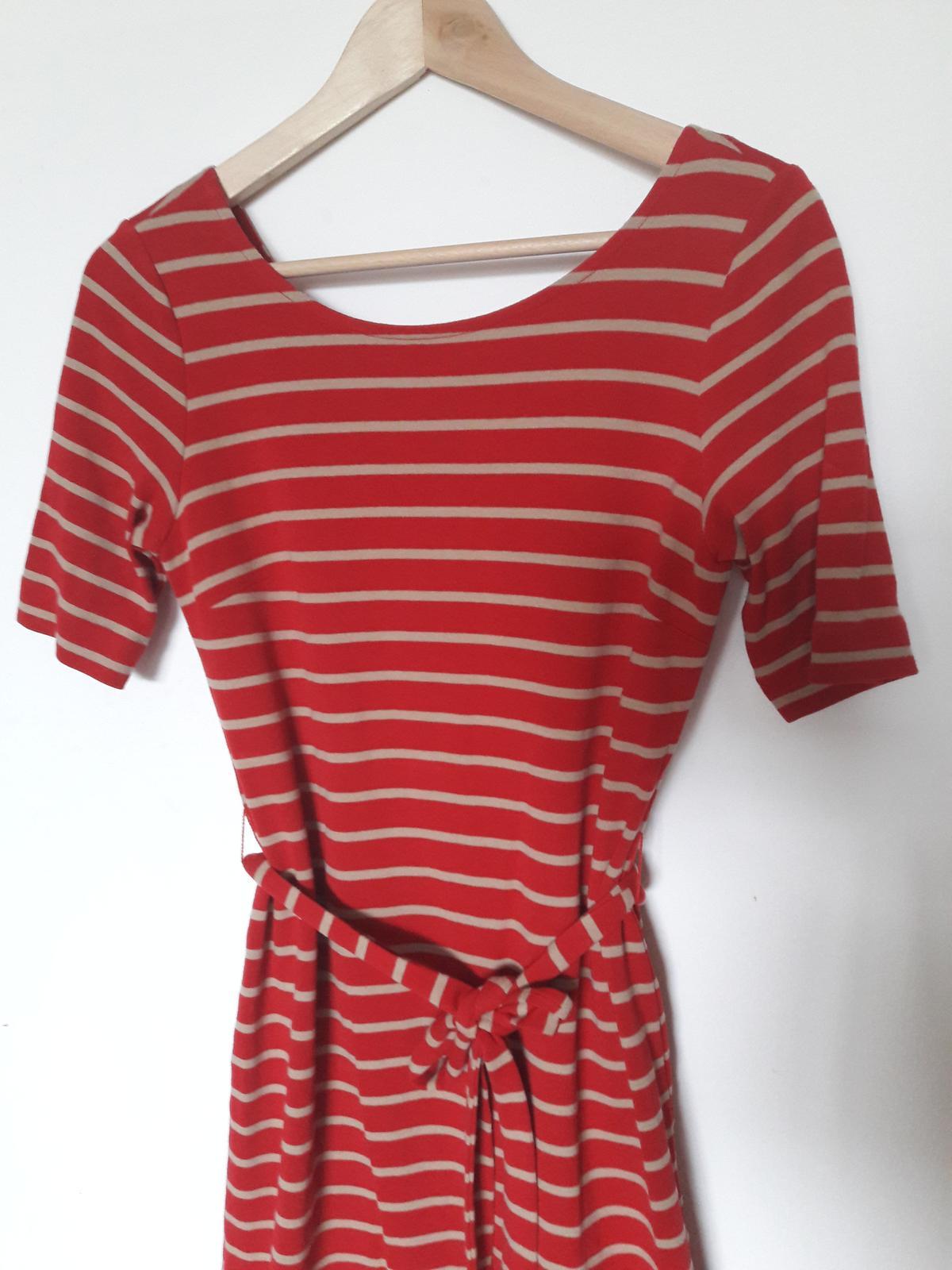Červené pruhované šaty - Obrázek č. 2