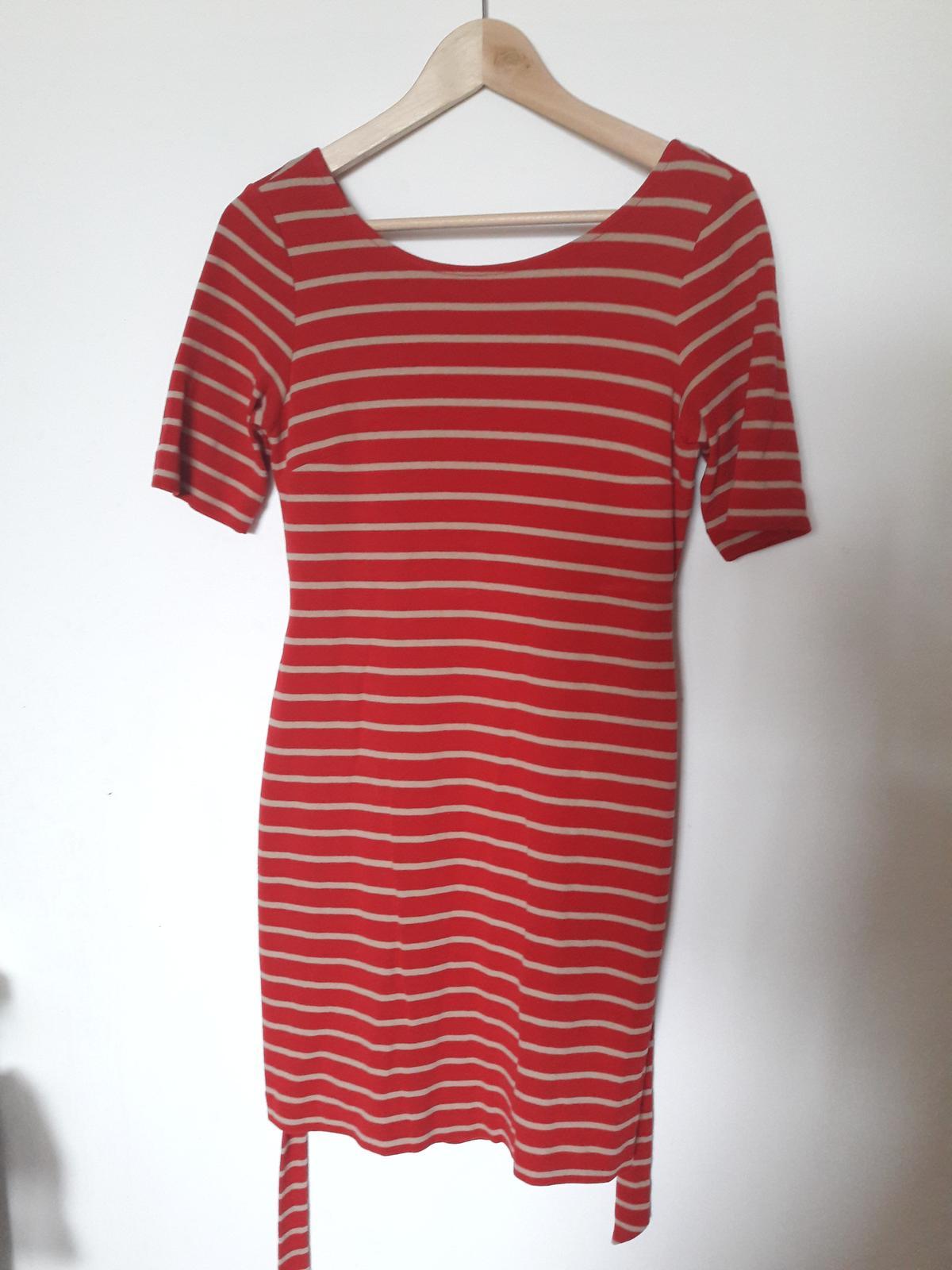 Červené pruhované šaty - Obrázek č. 4