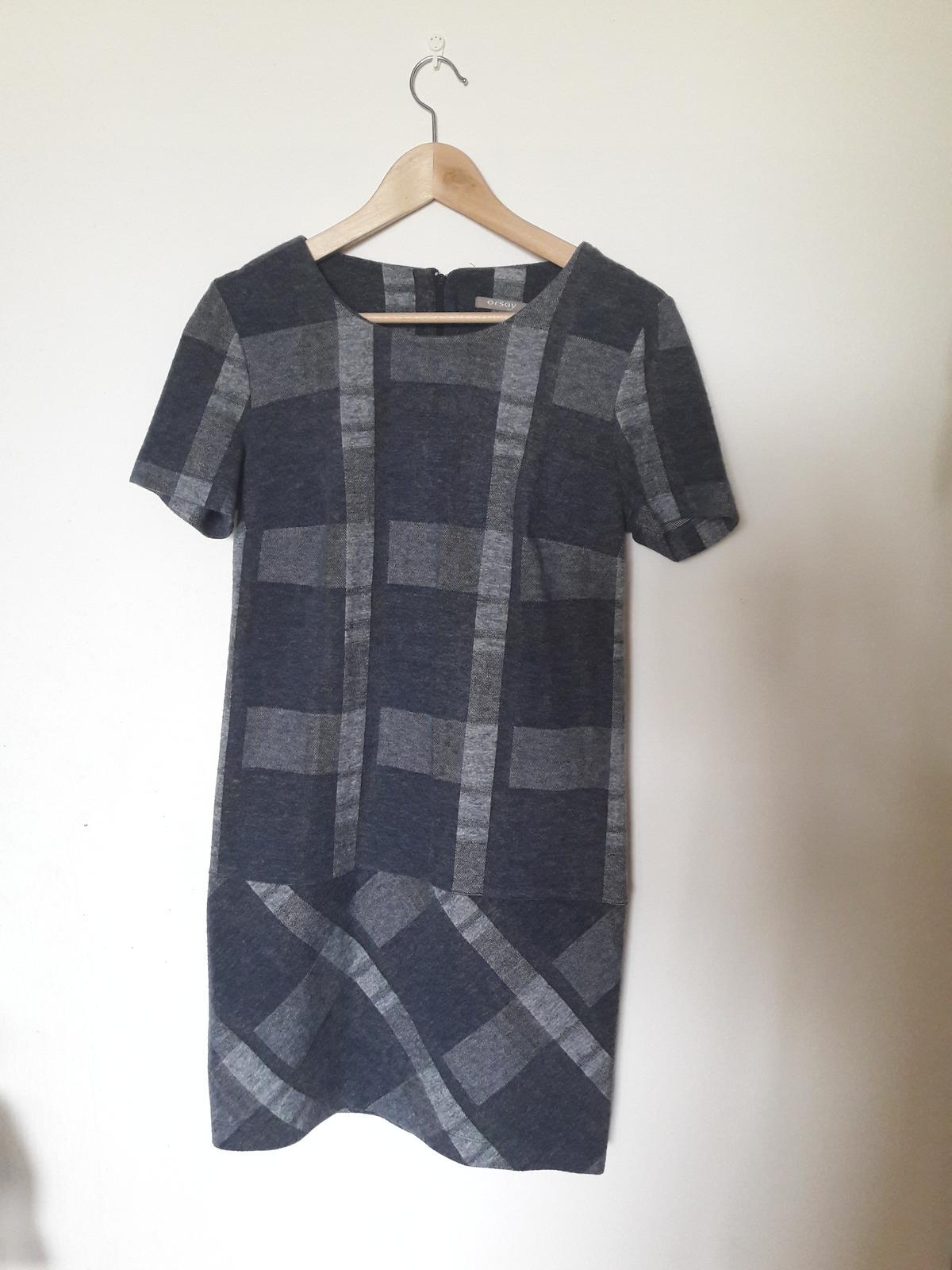 Šedé kárované šaty - Obrázek č. 1