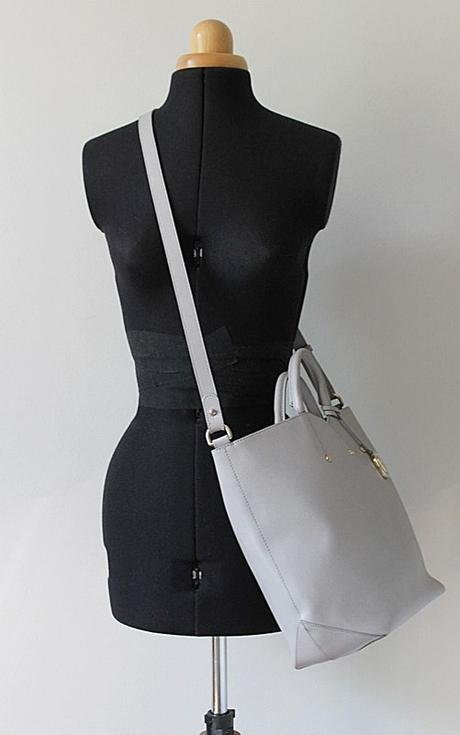 Světle šedá kožená kabelka FURLA - Obrázek č. 1