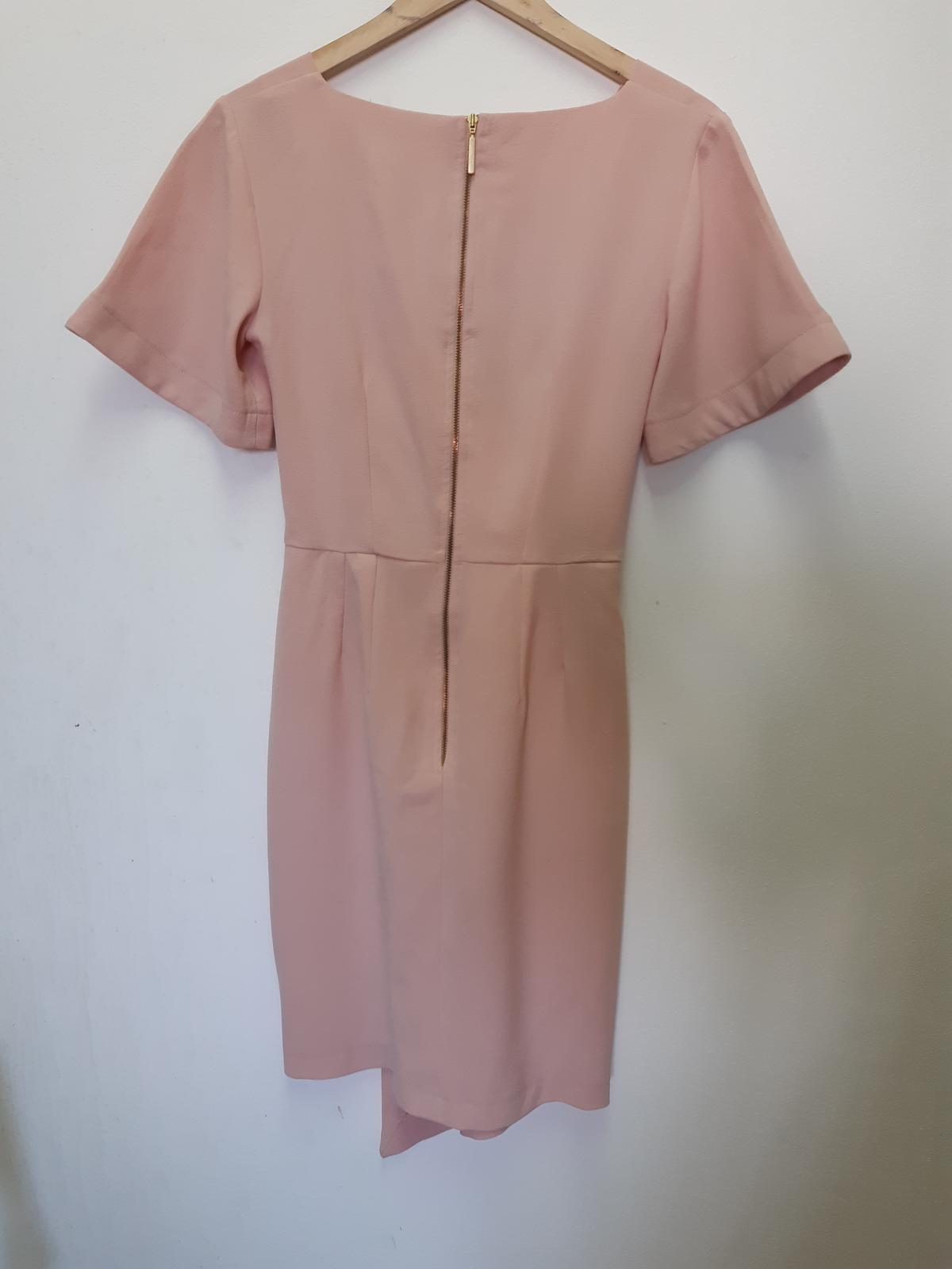 pudrově růžové šaty Closet - Obrázek č. 2