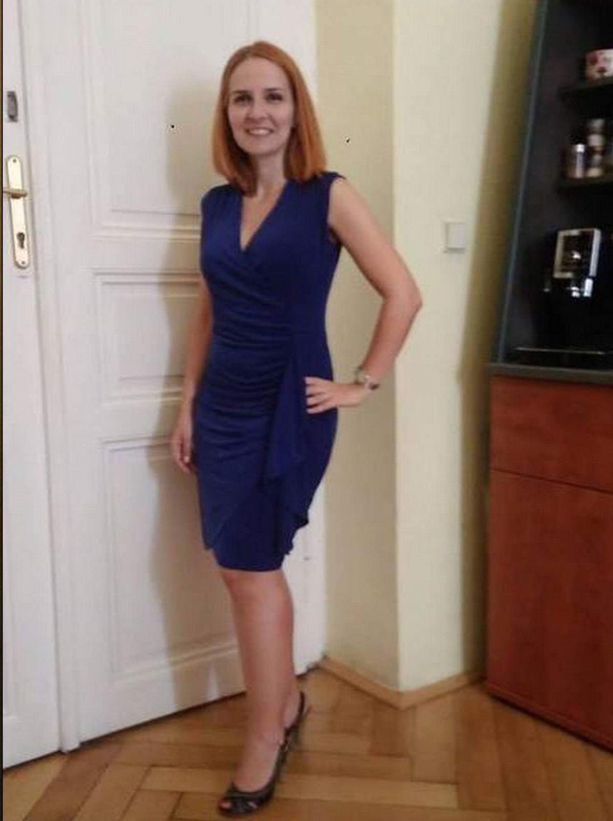 elegantní modré šaty - Obrázek č. 1
