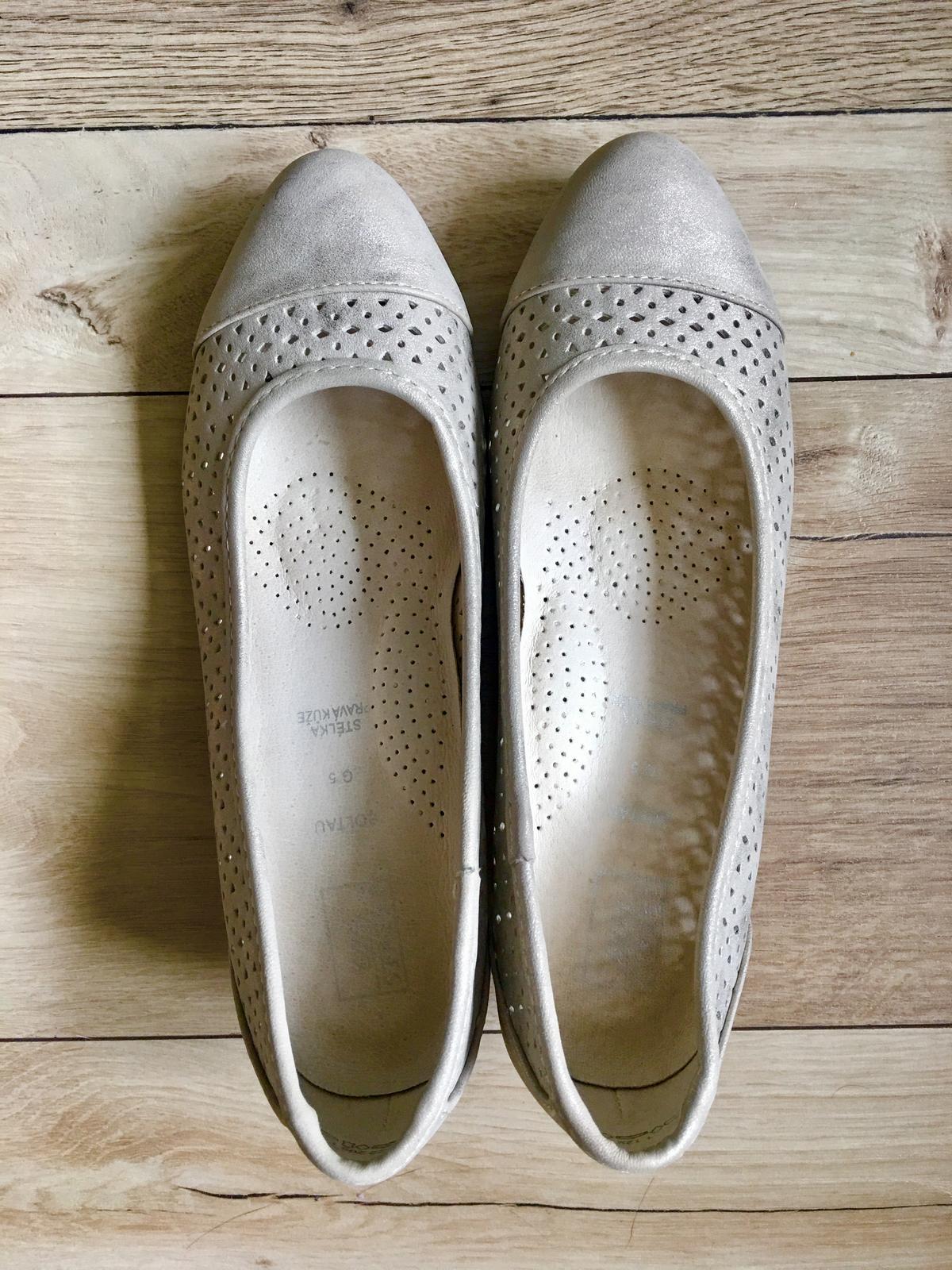 Pohodlné nízke topánky pre nevestu - Obrázok č. 1