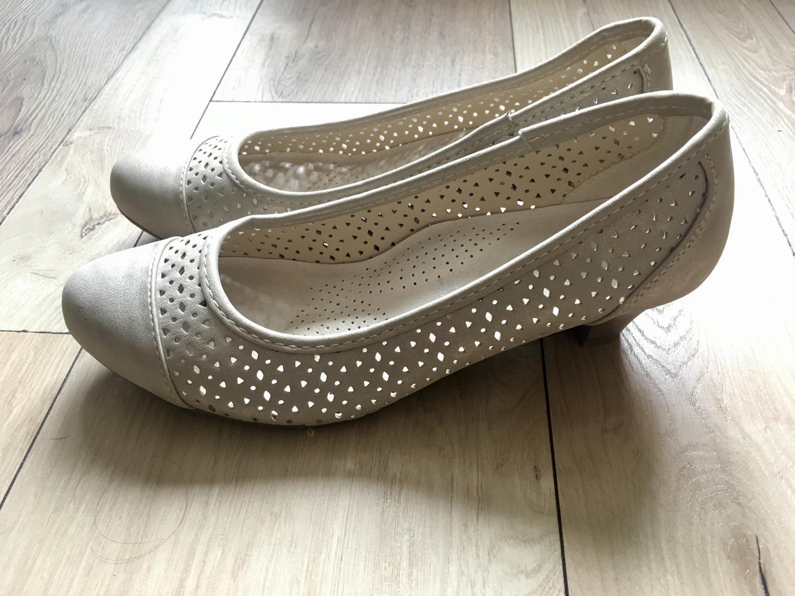Pohodlné nízke topánky pre nevestu - Obrázok č. 2