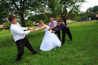 snaha o přebrání nevěsty :-)