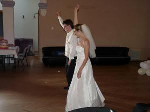 část novomanželského tance