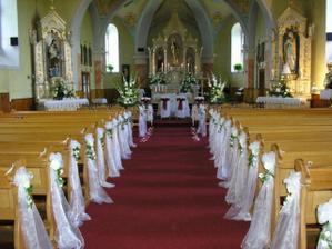 Krásna výzdoba kostola, niečo také by som chcela urobiť, tak dúfam, že sa mi to podarí.
