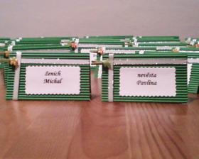 jmenovky na stůl - vlastní výroba :-)