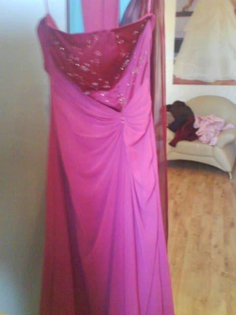 K & M - šaty po polnoci