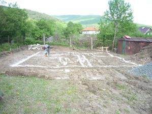 vyznačenie základov, fajne blato vtedy bolo :)