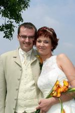 Novomanželé Křížovi