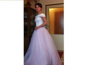 Tak toto jsou moje svatební šaty...