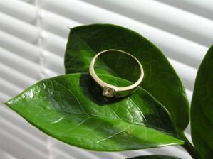 Zásnubní prstýnek...