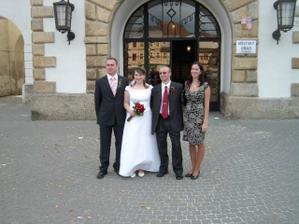 S mojí sestrou a jejím přítelem.