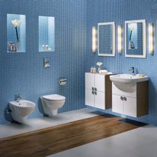 Nábytek, umyvadlo a závěsné WC - bílá v kombinaci s karamelovým bukem