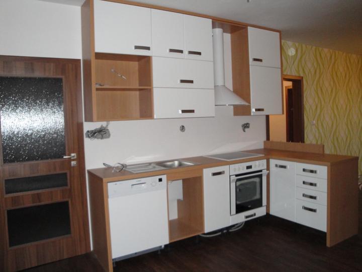 Náš byt - původní stav a postupná proměna - Zatím nedodělané, ale jsme nadšeni... :-)