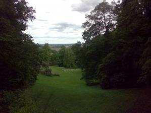 Pohled do zámeckého parku
