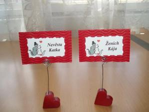 Jmenovky na svatební tabuli + držáček - vlastní výroba