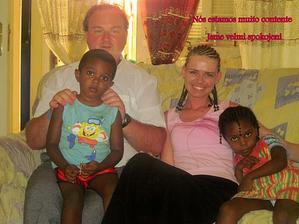 Spokojená rodinka na Kapverdských ostrovech - takové dětičky bychom chtěli mít:-)
