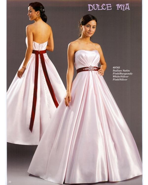 Ooooooooo šaty - Obrázok č. 36