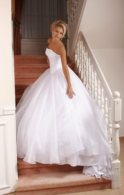 Ooooooooo šaty - Obrázok č. 95
