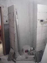 postavili sme si aj sprchový... je tam miesta aj pre troch...