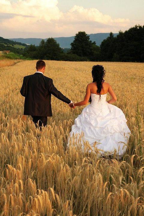 Svadobné foto - Obrázok č. 31