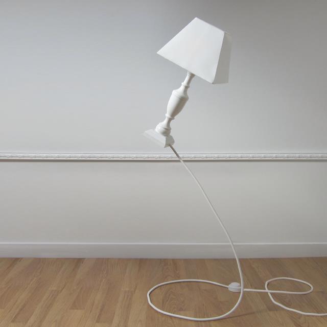 """Bez slov a pre zábavu. - Lampa Gvesner Ešte predtým, ako niekto napíše """"Photoshop"""", vám poviem: kábel je zosilnený. Resp. stojan vyzerá ako kábel."""