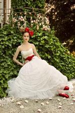 Krásne šaty .. mmm rozmýšľam už aj nad takýmito :-)