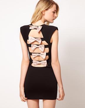 Šaty - zaostrené na chrbát - Obrázok č. 45