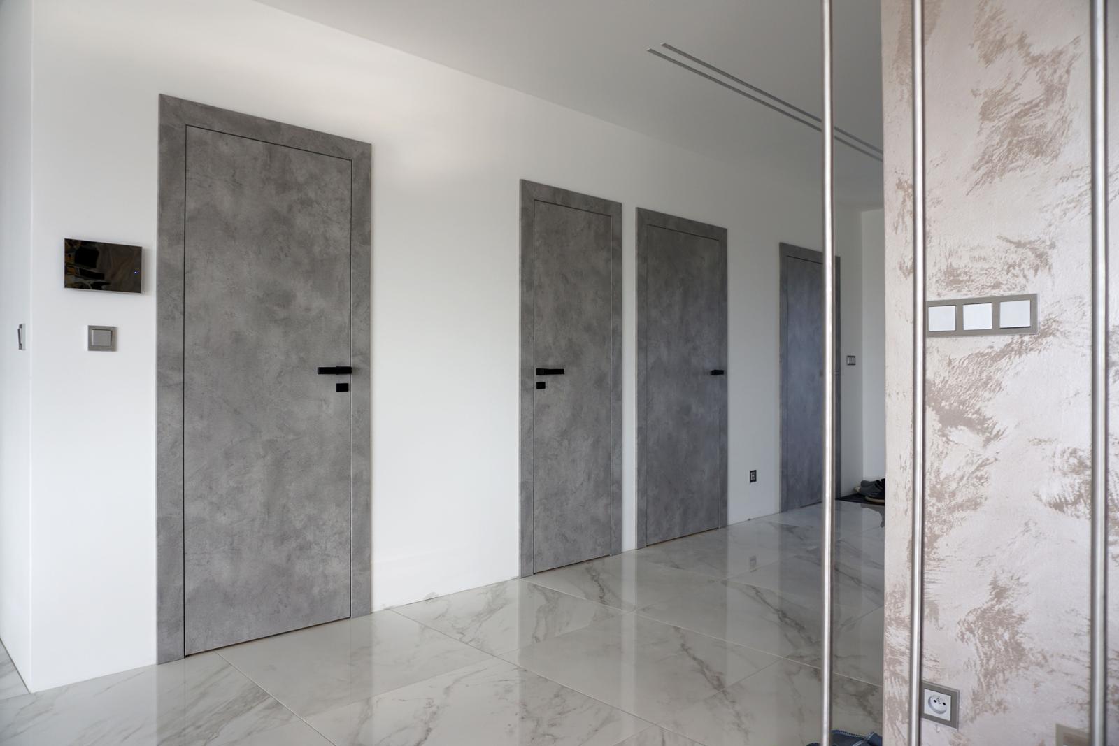 Reverzné dvere - CPL betón šedý - Obrázok č. 1