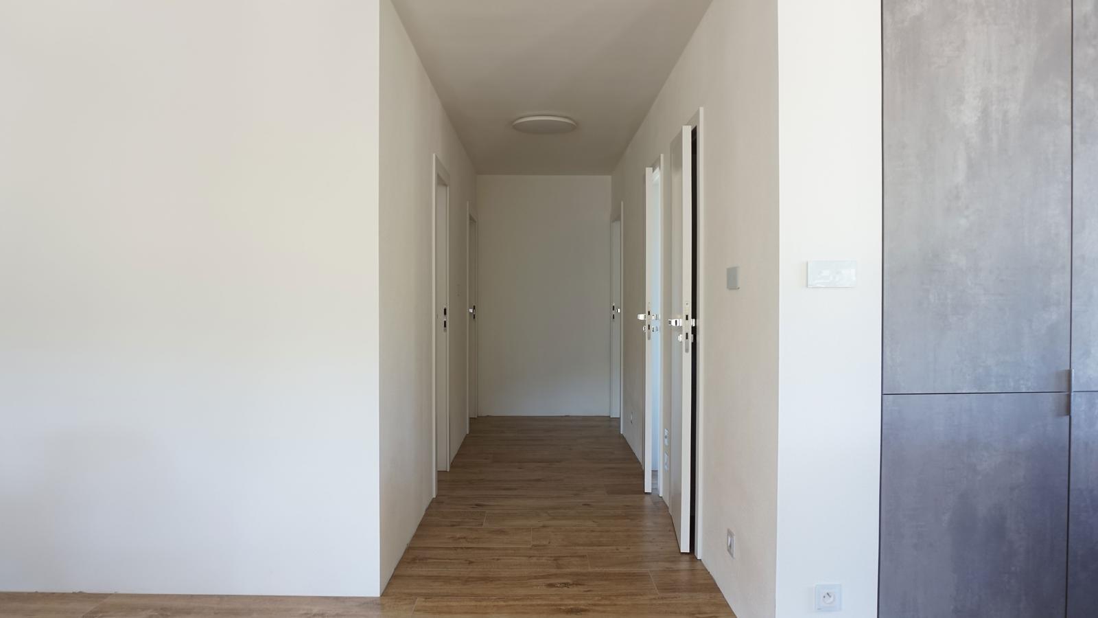 Reverzné a bezpolodrážkové dvere. - Obrázok č. 2